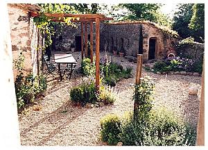 Gravel Gardens In Italy Gardendesigner Com